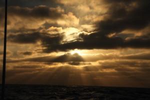 Solen finns där bakom någonstans