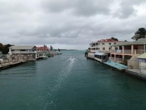Marigotcanal in till lagunen